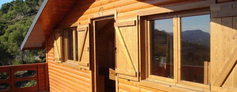 casa prefabricada de madera Sagunto de Casas Carbonell terraza en planta alta