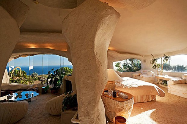 the-flintstones-house-06