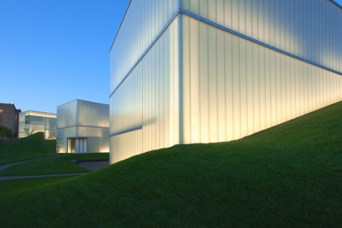 933518_innovative-glass-buildings-07