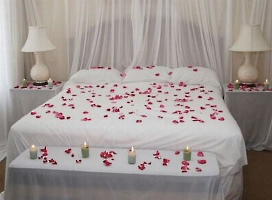 Bedroom-decoration-for-Valentine's-Day4