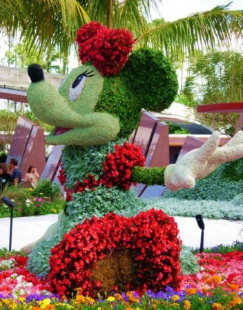 disney-characters-made-of-flowers-photos-03-352x450