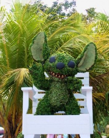 disney-characters-made-of-flowers-photos-08-354x449