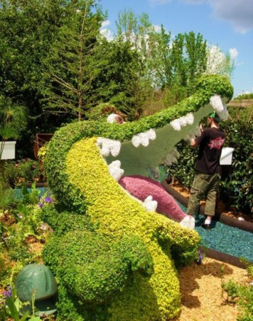 disney-characters-made-of-flowers-photos-14-356x450