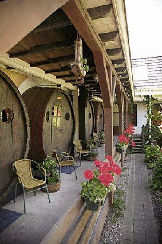 hotel-barrels-6
