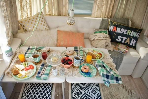 Dining-area-in-a-remodeled-Airstream-600x403