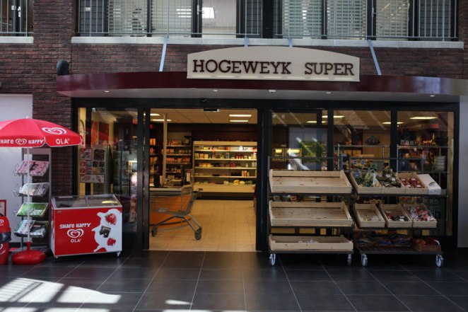 hogewey-the-amazing-village-in-the-netherlands-just-for-people-with-dementia-3