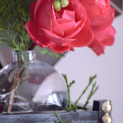 How To Make A Pottery Barn Inspired Bud Vase from Ornaments, a Magazine Holder, and Straws