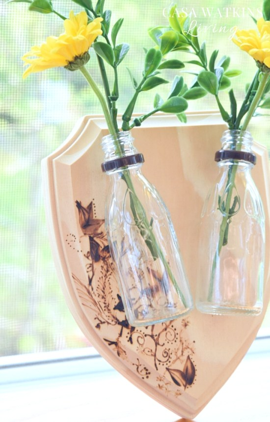 How to make A DIY mounted floral vase plaque with syrup bottles!