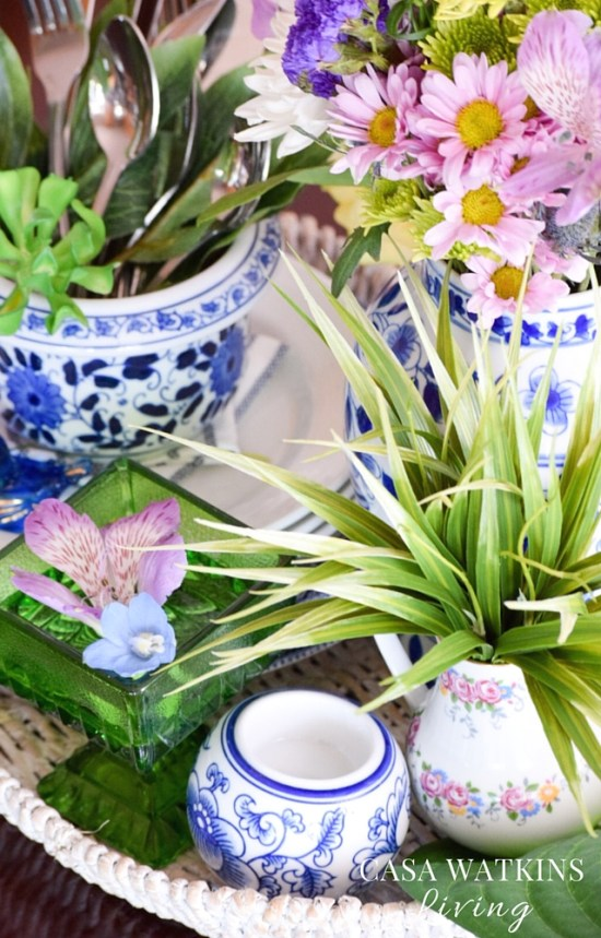 how-to-decorate-a-spring-floral-tray-vignette-for-the-kitchen