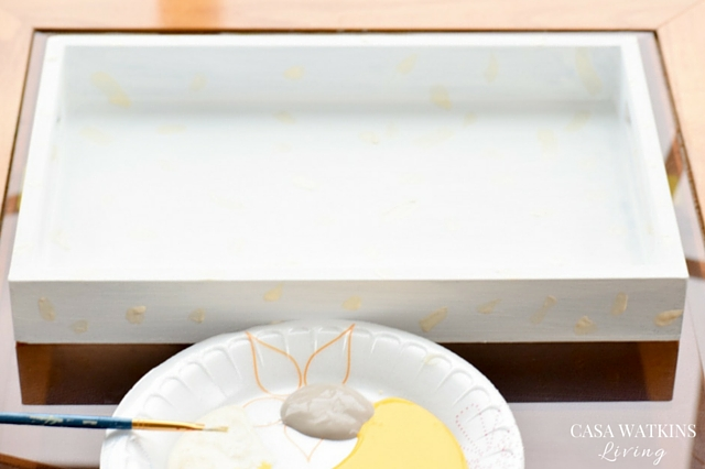 How to makeover a tray with paint