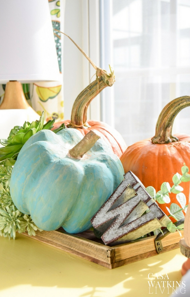 DIY Thanksgiving tray vignette with painted pumpkins