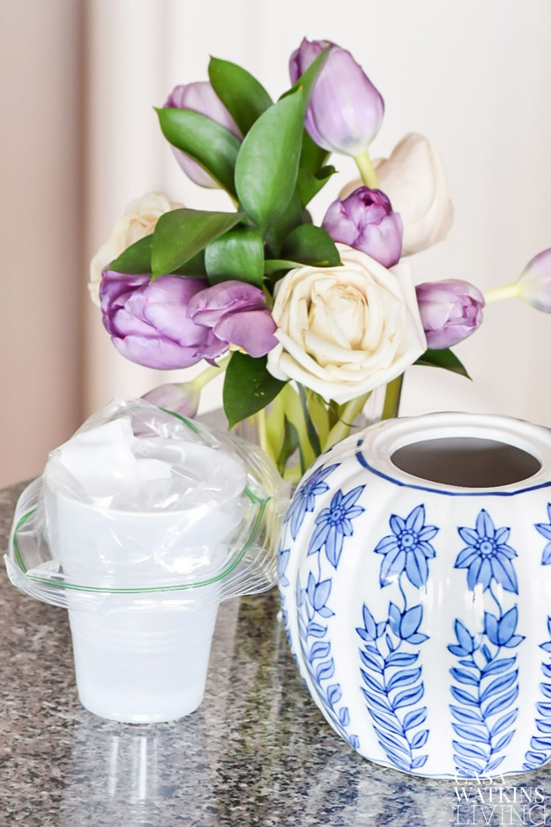 line plastic cup with plastic baggie to use as a inner vase in ceramic jars