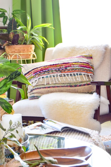 how to make a boho global style pillow with a chindi rug!!
