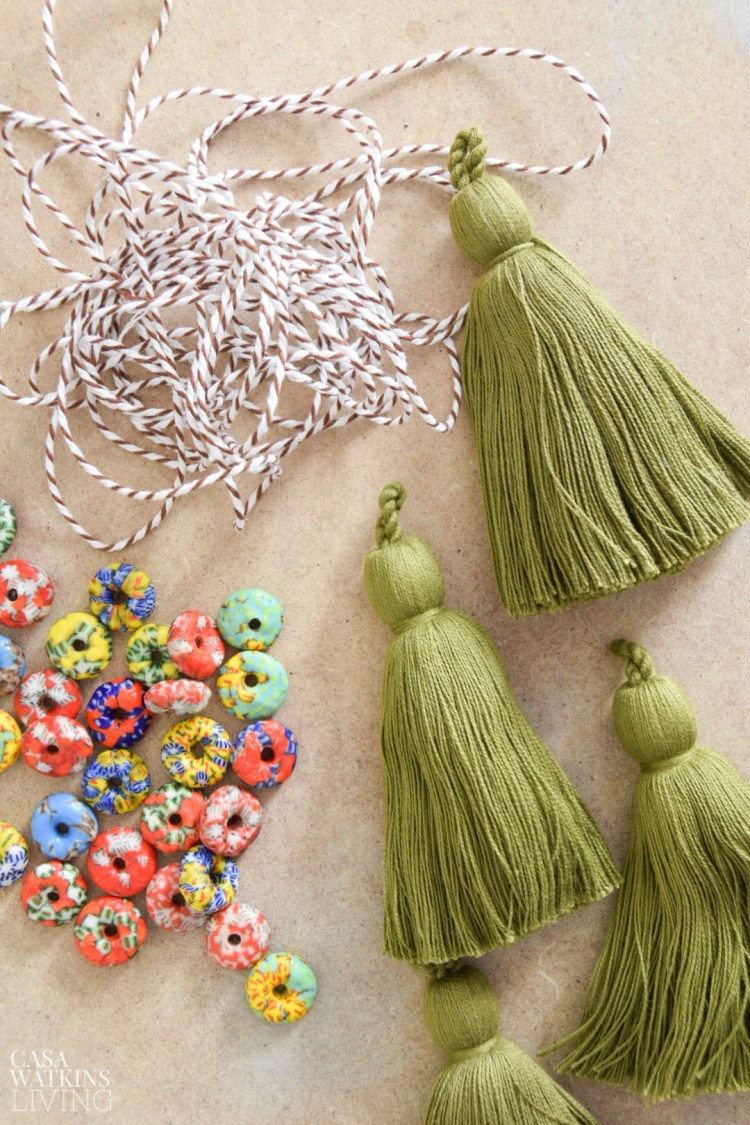how to make a diy tassel hanging