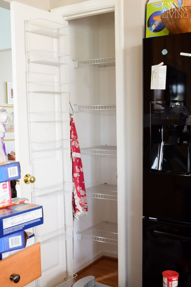 how to organize a small kitchen pantry