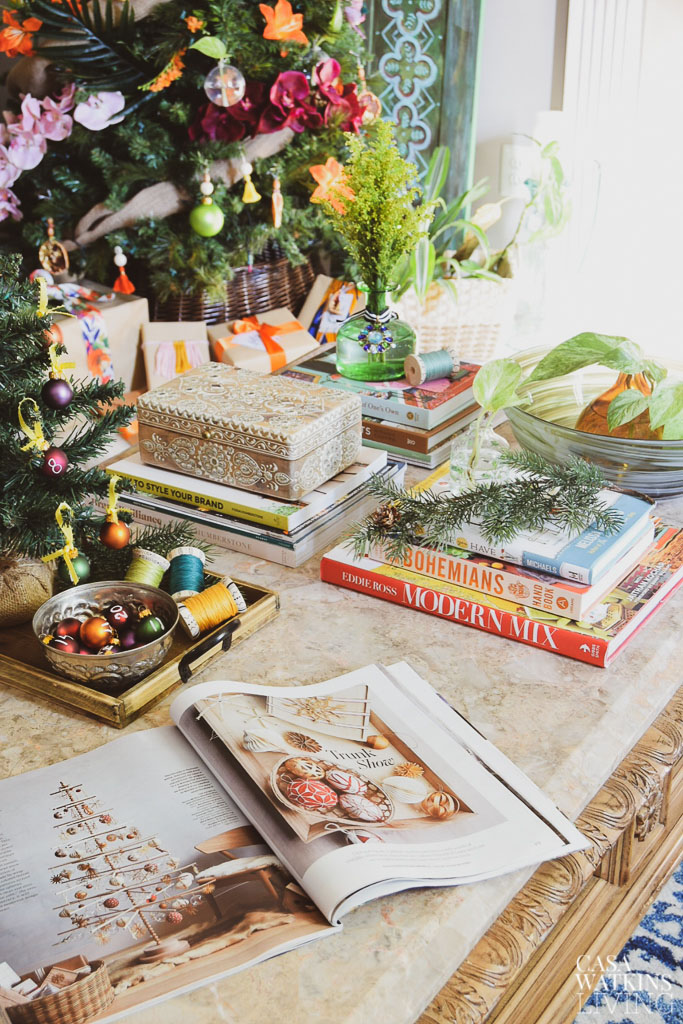 How To Decorate The Coffee Table For The Holidays Casa