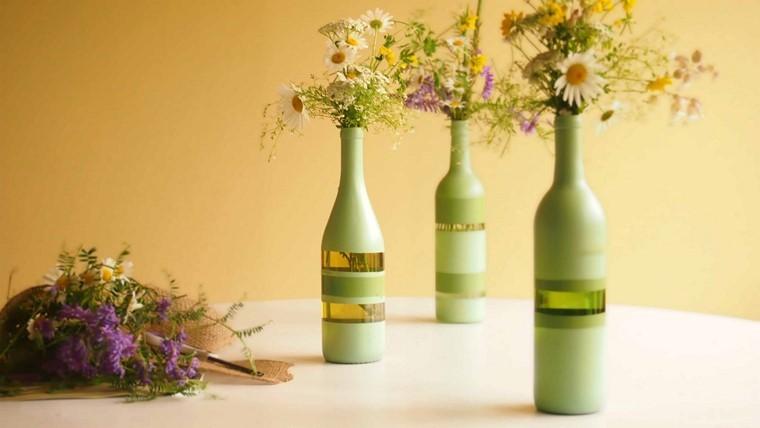 Manualidades originales jarrones de botellas recicladas