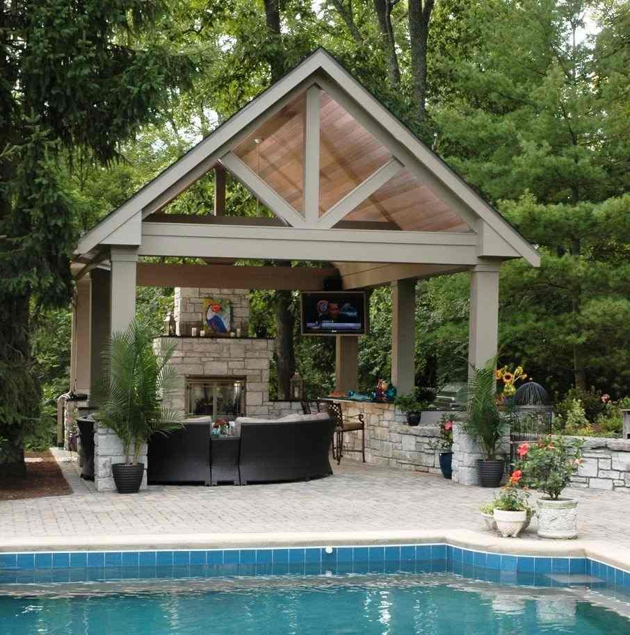 Piscinas y prgolas de madera  un jardn exclusivo en casa