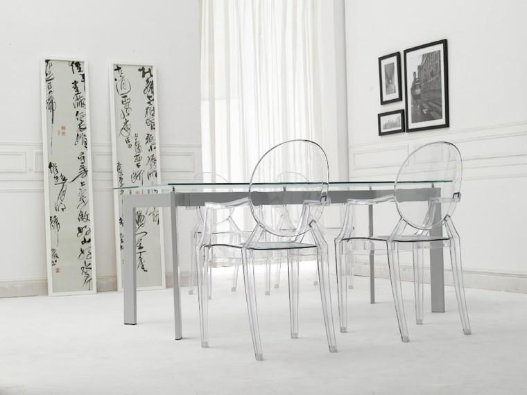 Tiempos modernos y muebles  acrlico una clara ventaja