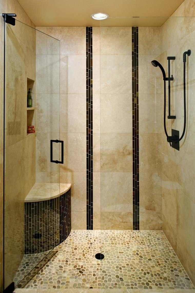 Cuartos de bao con ducha y baera muy singulares
