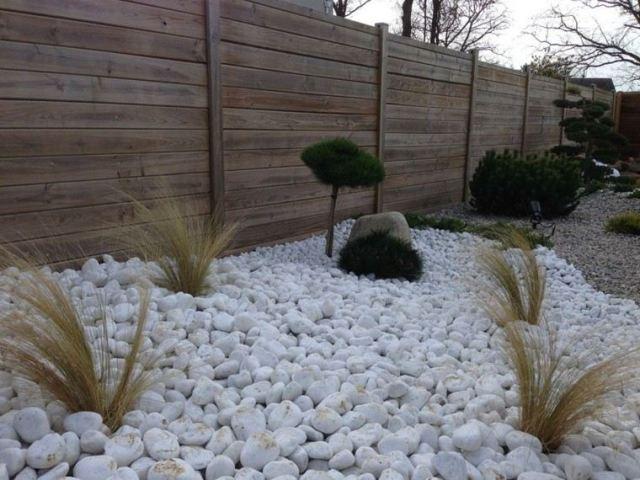 diseño jardin pequeño piedras guijarros