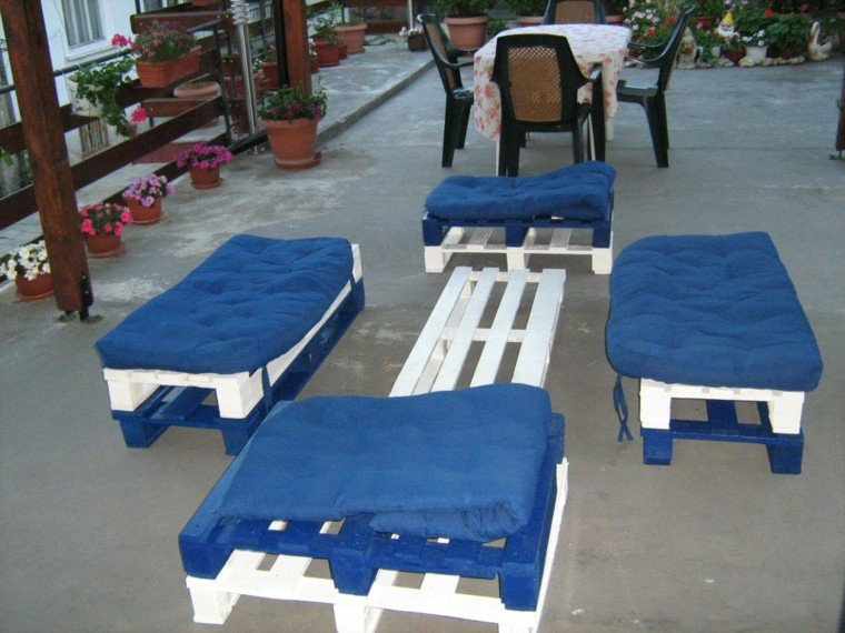 Sillones hechos de palets elegant muebles echos con for Sillones para exterior con palets