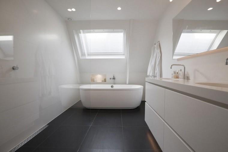 diseño de baños pequeños blancos