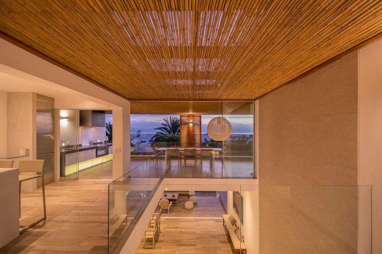 Techos de madera y bamb en la Casa Panda