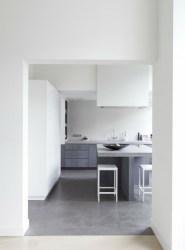 Decoración de interiores modernos en gris y blanco