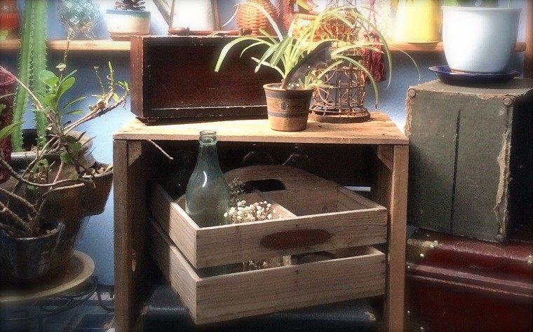Muebles reciclados hechos con cajas de frutas
