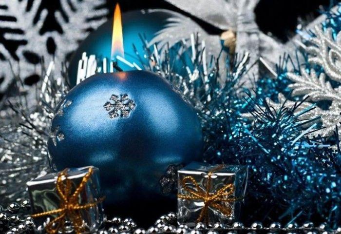 Azul Y Plata Para Un Ambiente Navideño Fresco Y Elegante
