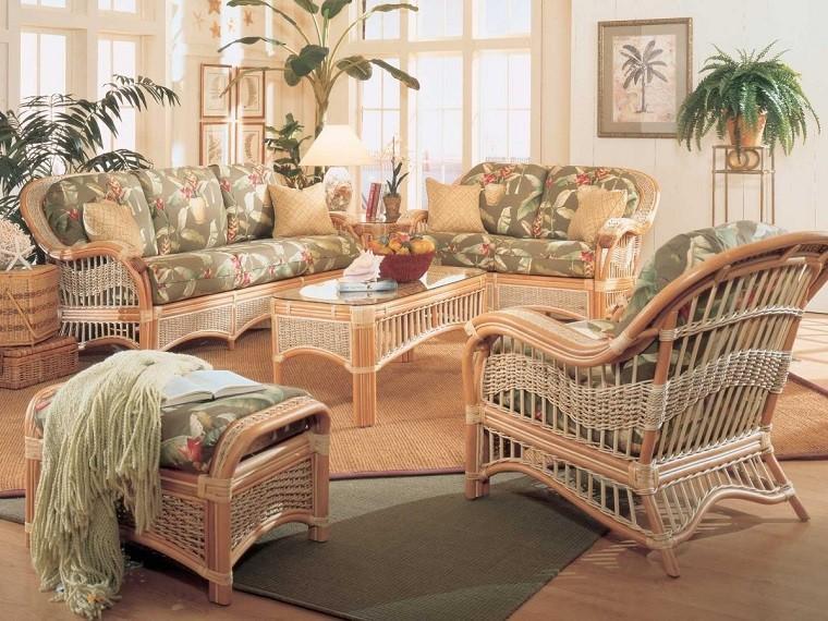 Muebles mimbre dentro y fuera de la casa moderna