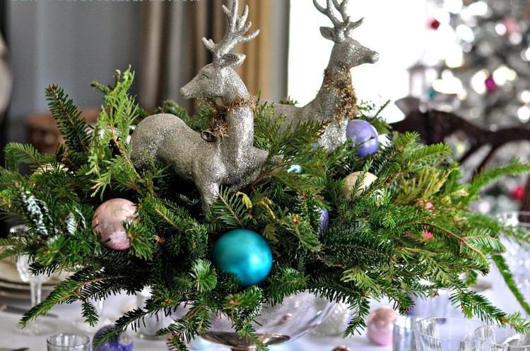 Recetas navideas para decorar la mesa en plata y verde