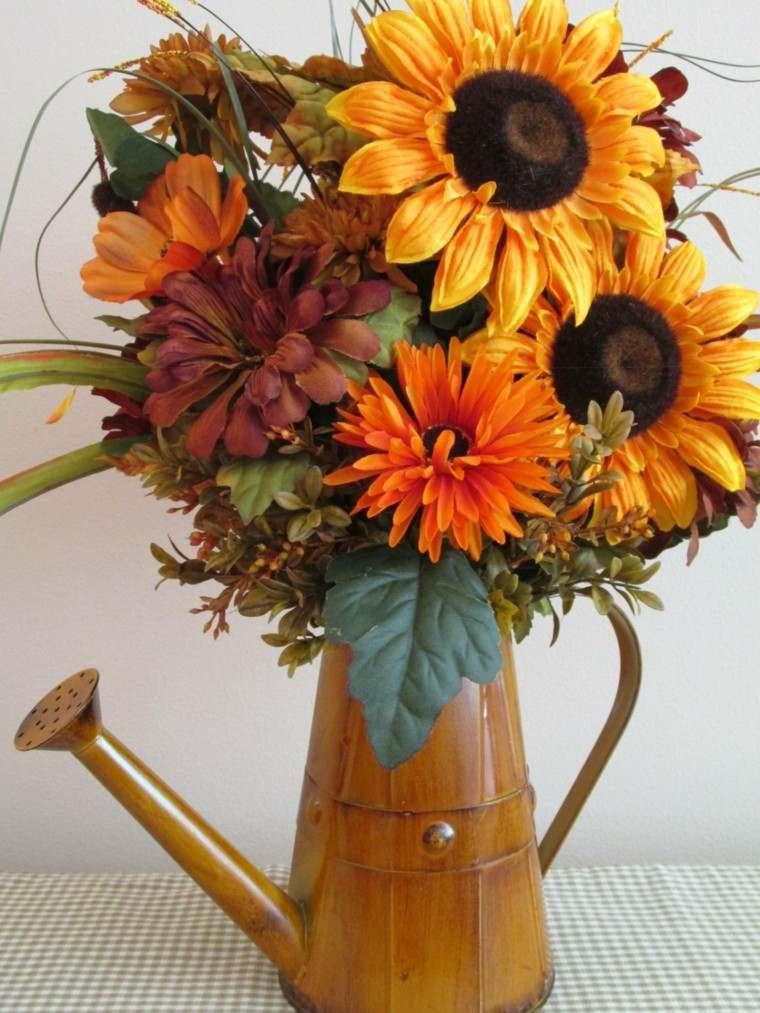 Centros de flores bonitos y ramos naturales para el otoo
