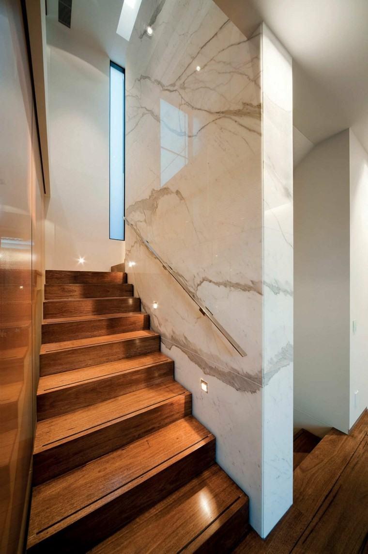Escaleras de interior y exterior con iluminacin LED