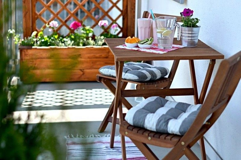 Muebles bonitos para el balcn o la terraza moderna