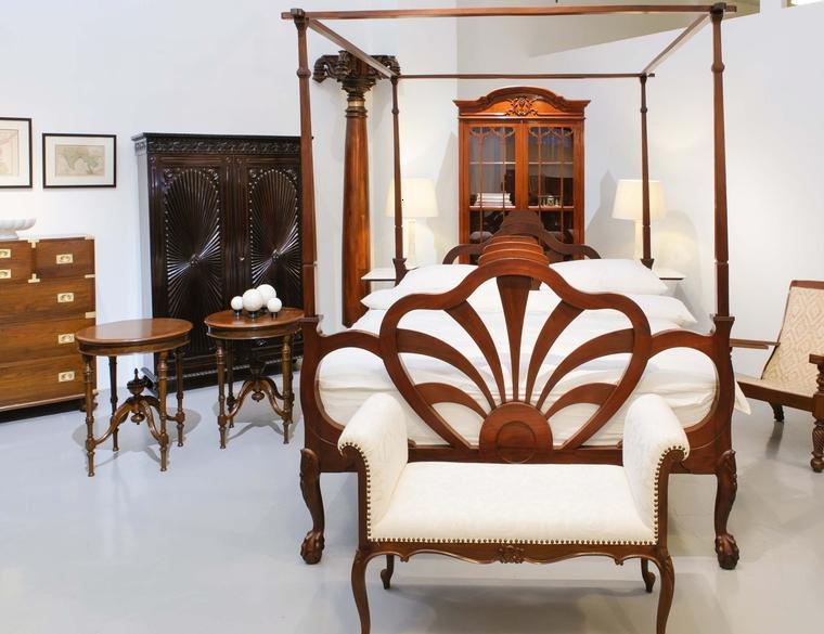 Muebles estilo colonial  interiores elegantes con madera