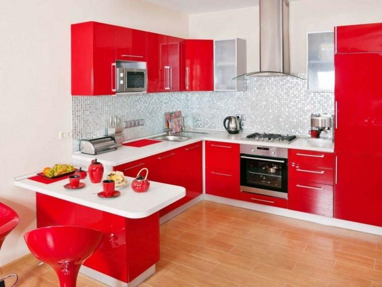 Cocinas rojas y blancas  descubre la nueva tendencia de