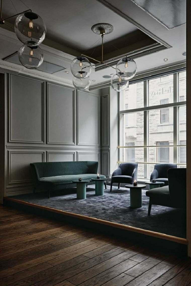 Salones de diseo moderno con paredes de colores oscuros