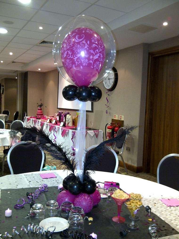 Centros de mesa con globos para decorar en fiestas