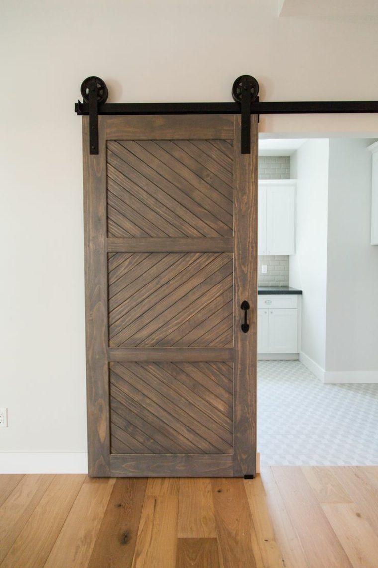Puertas correderas de madera de estilo granero  42 ideas