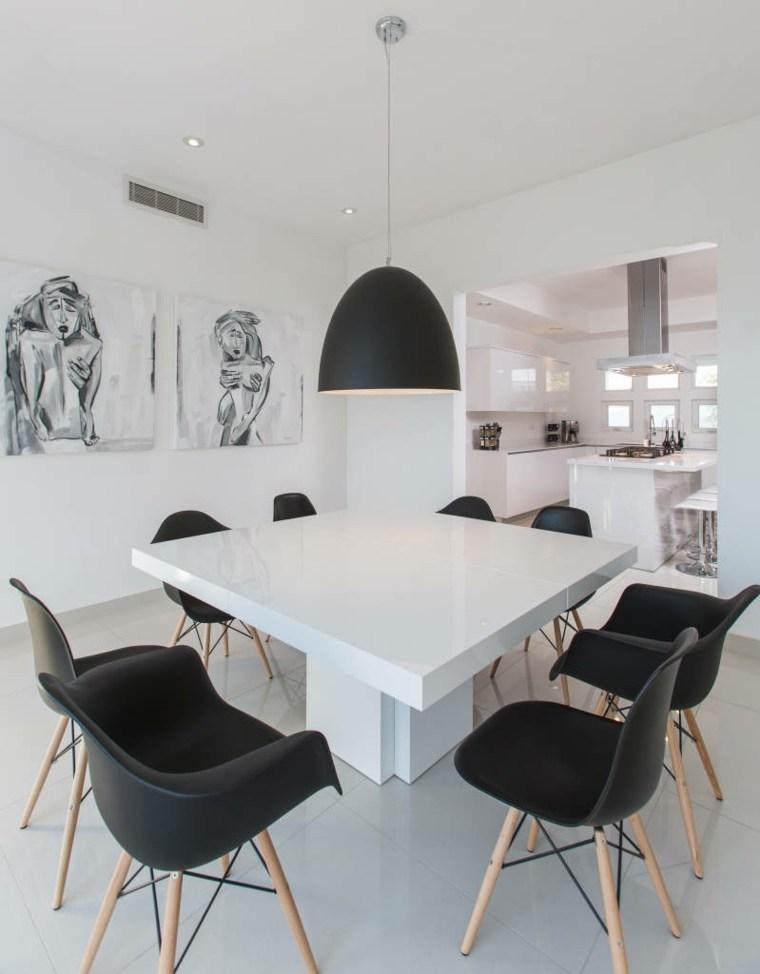 Mesas y sillas de comedor al estilo monocromtico en