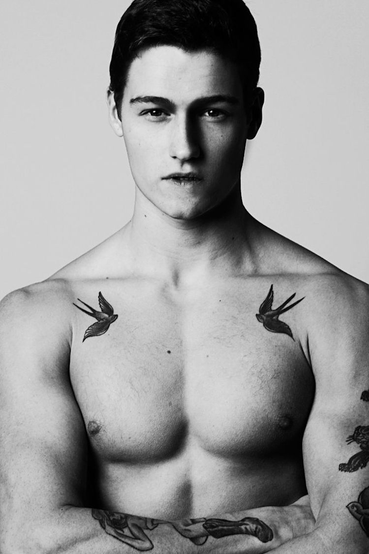 Tatuajes En El Pecho Más De 20 Diseños Para Hombres Atrevidos