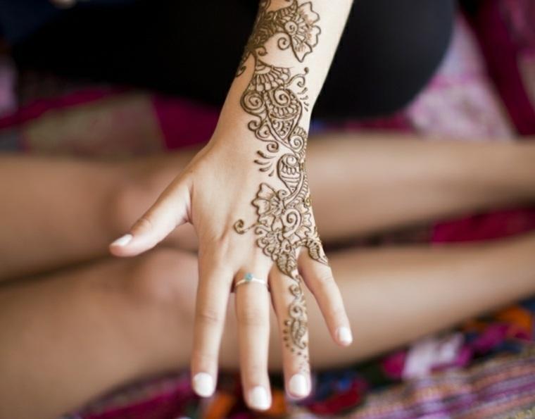 Tatuajes De Henna Significado Diseños Y Mucho Más