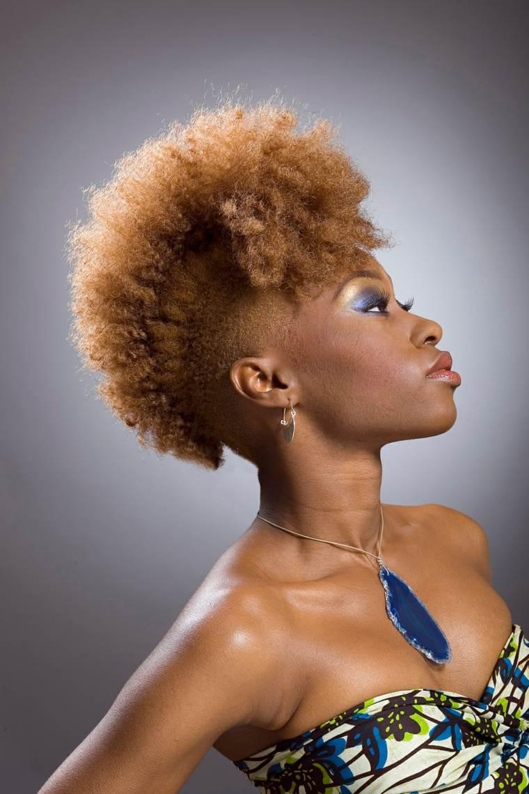 Peinado mohicano para mujeres ideas modernas y originales