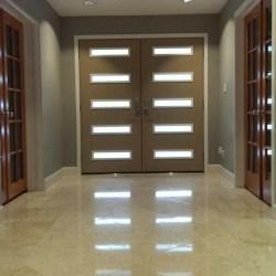 Puertas de entrada sus tipos y caracteríscitas para pisos y casas