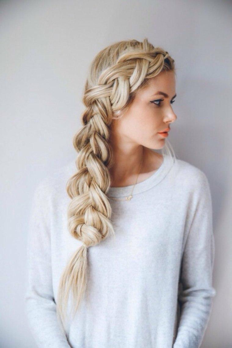 Peinados con recogidos de lado