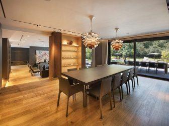 Casas modernas Una casa en Estambul Turquía diseñada por Habif Architects