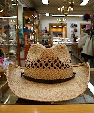 6938a9f1c1237 Sombrero cowboy