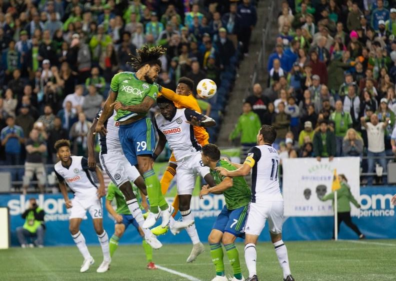 Torres head ball against Union